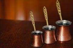 套三土耳其咖啡罐 免版税库存照片