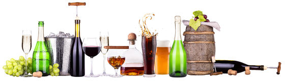 套不同的酒精饮料和鸡尾酒 库存图片
