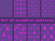 套与冷杉木、鹿和雪花的圣诞节无缝的样式 紫外趋向是2018年的颜色 向量 图库摄影