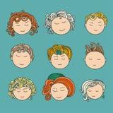 套与多彩多姿的卷发的九张不同逗人喜爱的手拉的面孔 库存照片