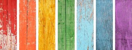 套与彩虹颜色木纹理的横幅  免版税图库摄影