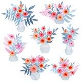 套与明亮的花的水彩花束和轻拍叶子 免版税库存图片