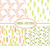 套与春天叶子的四个无缝的样式 免版税库存照片