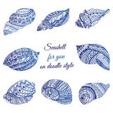 套与种族主题的手拉的贝壳 抽象zentangle风格化海扇壳 海洋生活乱画汇集 传染媒介illus 库存图片