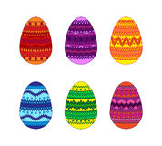 套与装饰品的6个复活节彩蛋 库存照片