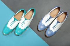套两双明亮的夏天鞋子 免版税图库摄影