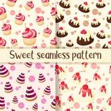 套五颜六色的无缝的样式用在动画片样式的鲜美点心 杯形蛋糕、果冻、巧克力饼和pannacotta 向量例证