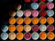 套五颜六色的明亮的缝合的按钮 库存图片
