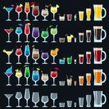 套五颜六色的酒精饮料 库存例证
