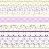 套剪贴薄的淡紫色无缝的边界 花卉逗人喜爱的要素 免版税库存照片