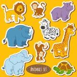 套各种各样的逗人喜爱的动物,徒步旅行队动物传染媒介贴纸  免版税库存图片
