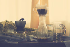套咖啡设备,滴水咖啡 免版税库存照片