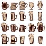 套啤酒杯和玻璃 商标的,标签设计元素, 免版税库存照片