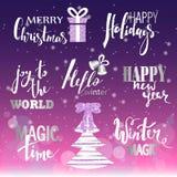 套圣诞快乐文本,手拉的字法和新年快乐印刷术设计 对卡片,邀请,海报,飞行物, l 免版税库存图片