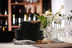 套在桌上的餐具 图库摄影