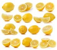 套在白色背景的新柠檬切片 免版税库存照片