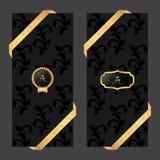 套在黑暗的背景的两副垂直的横幅与在周围丝带和VIP和卵形商标 免版税库存图片