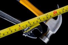 套工具和仪器在木背景。 库存照片