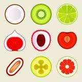 套平的水果和蔬菜 在空白的背景的色的简单的象 商标设计模板,食品店设计 皇族释放例证