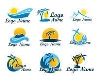 套旅行社商标 假期、旅行和休闲的标志在温暖的国家 与棕榈树的商标,海岛 图库摄影