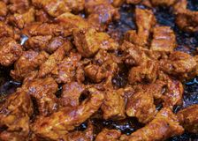 套烤鸡午餐或晚餐的,充分的膳食猪肉开胃菜片断  免版税图库摄影