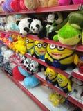 套玩具在玩具商店 免版税图库摄影