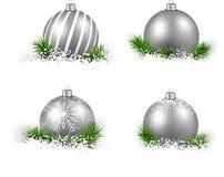 套现实银色圣诞节球 图库摄影