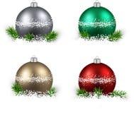 套现实颜色圣诞节球 免版税库存照片