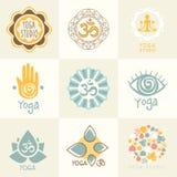 套瑜伽和凝思标志 免版税库存图片
