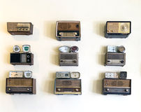 套老人收音机和时钟 免版税库存图片