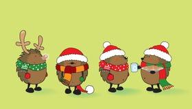 套4只逗人喜爱的猬为圣诞节穿戴了 免版税库存图片