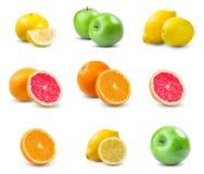 套水多的果子-桔子,柠檬,葡萄柚,绿色苹果 有维生素的富有 背景查出的白色 免版税图库摄影