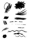 套黑油漆,墨水,难看的东西,肮脏的刷子冲程 飞溅黑色集合 免版税图库摄影