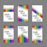 套从现实五颜六色的铅笔的垂直的卡片在白色 库存图片