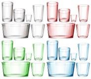 套玻璃器皿用不同的颜色 皇族释放例证
