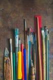 套画笔和办公用品 库存照片