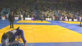 奥伦堡,俄罗斯- 2017年10月21日:女孩在柔道竞争 影视素材