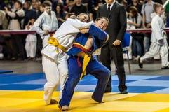 奥伦堡,俄罗斯- 2016年4月16日:在柔道的青年竞争 免版税库存照片