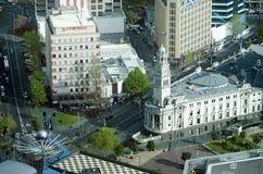 奥克兰城镇厅新西兰NZ鸟瞰图  库存照片