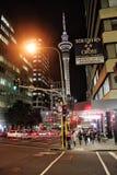 奥克兰市中心在晚上,新西兰, 12 2010年8月 免版税图库摄影