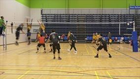 奥克兰新西兰21 04 2017射击了在会集在世界大师比赛的35岁上的排球运动员2017年在Waitakere 影视素材