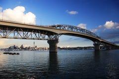 奥克兰桥梁港口 免版税库存图片
