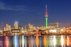 奥克兰,新的西兰2013年12月9日 奥克兰夜场面  库存照片