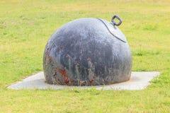 奥克兰,新的西兰2013年12月10日 老金属船锚装饰 免版税库存图片
