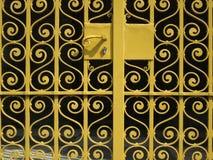 奥克雷上色了有卷曲的装饰品的篱芭 库存图片