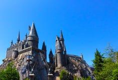 奥兰多,佛罗里达,美国- 2018年5月09日:在哈利・波特Wizarding世界的Hogwarts城堡在高桥名人之冒险岛  免版税图库摄影
