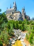 奥兰多,佛罗里达,美国- 2018年5月09日:在哈利・波特Wizarding世界的Hogwarts城堡在高桥名人之冒险岛  库存照片