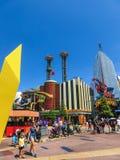 奥兰多,佛罗里达,美国- 2018年5月09日:对高空作业的建筑工人乘驾的入口 环球影业奥兰多是主题乐园 免版税图库摄影