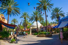 奥兰多,佛罗里达- 2018年5月09日:环球电影制片厂城市步行 灯塔,入口到冒险海岛在奥兰多 免版税库存图片