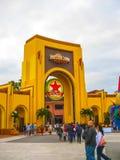 奥兰多,美国- 2014年1月04日:在环球影业佛罗里达主题乐园的著名普遍地球 免版税库存图片